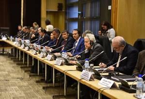 Governadores do Nordeste em reunião com investidores em Paris Foto: Divulgação / .