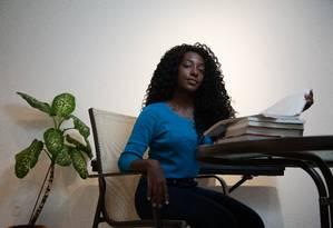 Natália Nunes é uma das duas negras de sua turma de Odontologia na USP Foto: Jefferson Coppola / Agência O Globo