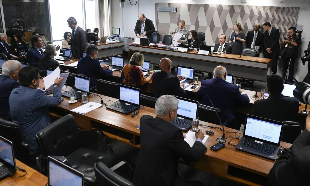 Sessão da CCJ do Senado discute proposta que altera a legislação sobre a prisão em segunda instância. Foto: Pedro França / Agência Senado