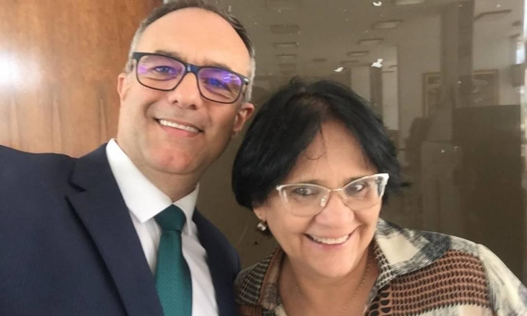 Maurício Cunha e a ministra Damares Alves Foto: Reprodução