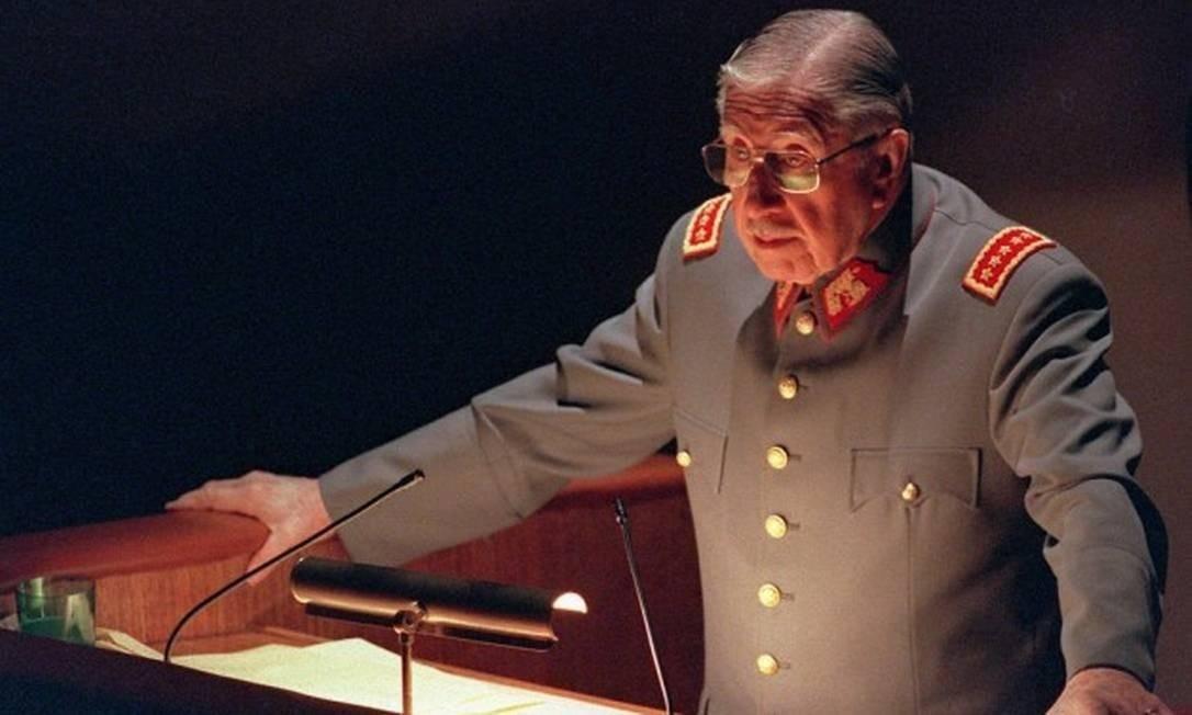 O ditador Augusto Pinochet, em foto de 21 de agosto de 1997 Foto: Martin Thomas