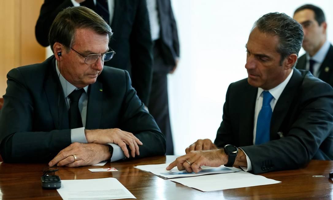 O presidente Jair Bolsonaro em reunião com o empresário Carlos Slim Domit, presidente do Conselho de Administração do Grupo América Móvil e da Telmex. Foto: Carolina Antunes/Presidência