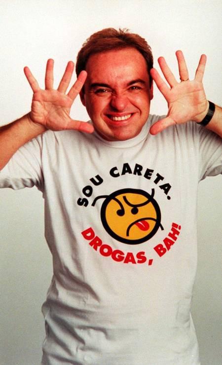 Gugu em campanha contra o uso de drogas em novembro de 1998 Foto: Reprodução