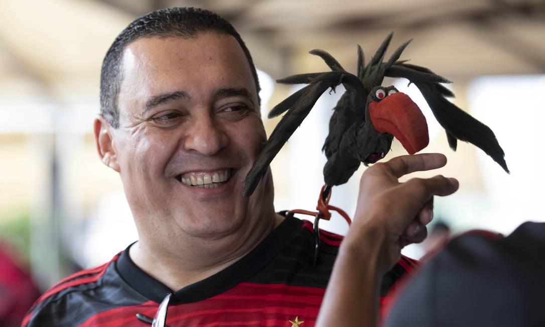 Após primeiro tempo sofrido, descontração e alegria prevaleceu entre torcedores que acompanharam o jogo no Bar Buxixo Foto: Ana Branco / Agência O Globo