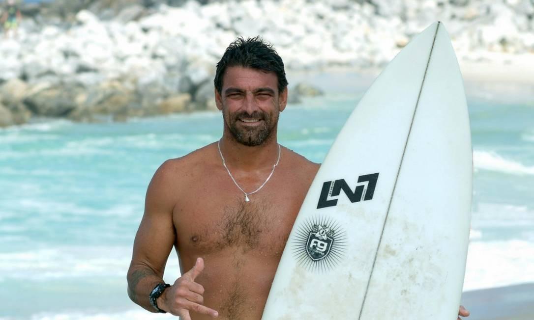 Surfista Leo Neves tinha 40 anos e foi bicampeão brasileiro Foto: Orlando Aguiar/ Divulgação Saquerema