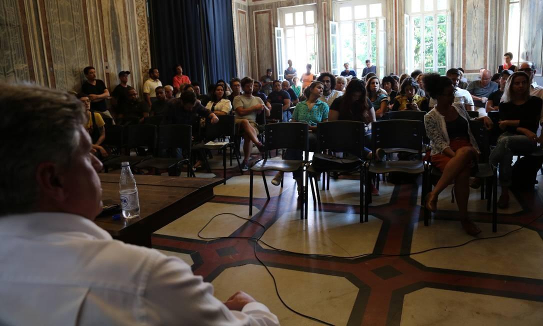 Reunião realizada no Salão Nobre do palacete do Parque Lage, nesta segunda-feira Foto: Renan Lima/Divulgação