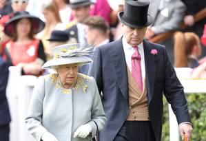 Elizabeth II e o príncipe Andrew, em junho de 2019 Foto: Karwai Tang / WireImage