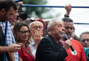 Lula discursa no Sindicato dos Metalúrgicos do ABC um dia após ser libertado Foto: Jefferson Coppola / Agência O Globo (09/11/19)