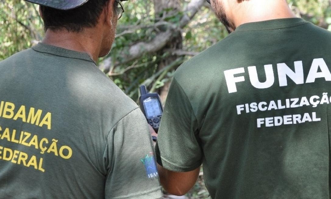 Servidores da Funai durante ação durante fiscalização em terras indígenas. Fundação tem perdido orçamento Foto: Divulgação