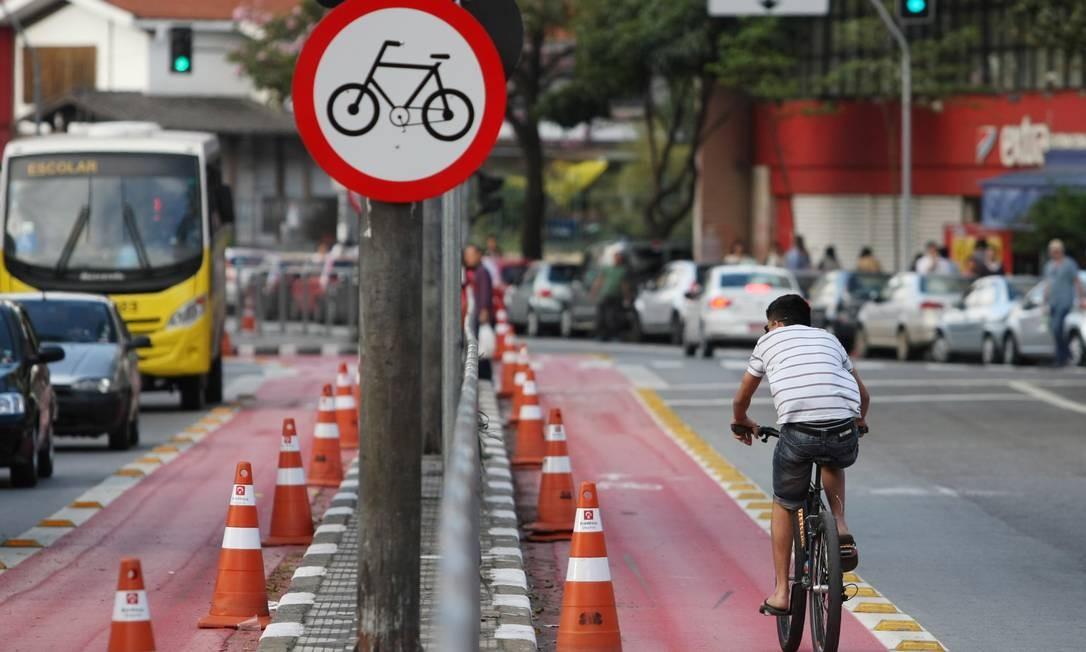 BR São Paulo (SP) 21/09/2014 - Mobilidade urbana - Ciclofaixas na Liberdade em São Paulo. Foto Michel Filho/Agência O Globo Foto: Michel Filho / Michel Filho