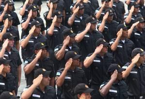 No caso dos militares, não haverá idade mínima de aposentadoria e a regra de transição será mais vantajosa que a aplicada aos civis Foto: Fabiano Rocha / Agência O Globo
