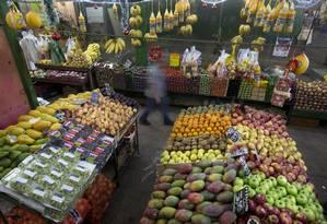 A Cobal do Humaitá tem bancas de alimentos, restaurantes, floriculturas e lojas de decoração Foto: Márcia Foletto / Agência O Globo