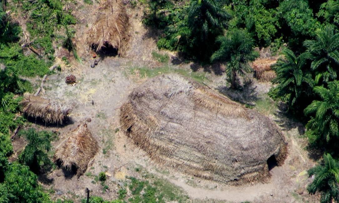 Maloca de índios isolados no Vale do Javari Foto: Divulgação / Funai