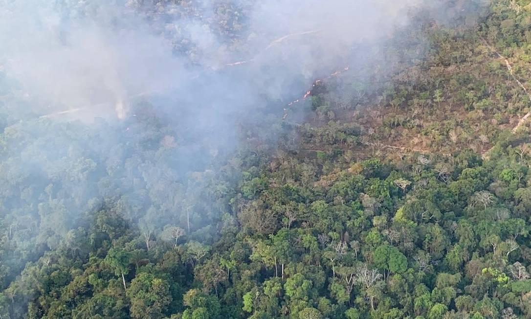 Focos de queimada detectados na área de preservação ambiental de Alter do Chão (PA), em sobrevoo de helicóptero do Exército Foto: Exército Brasileiro/Divulgação