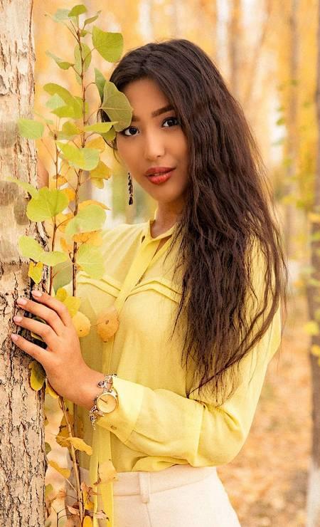 Cazaquistão: Alfïya Yersaıyn, 18 anos, é estilista Foto: Reprodução / Instagram