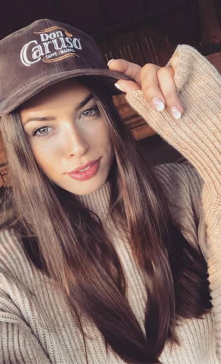 Polônia: Olga Bulawa, 28 anos, formada em Direito e Aeromoça Foto: Reprodução / Instagram