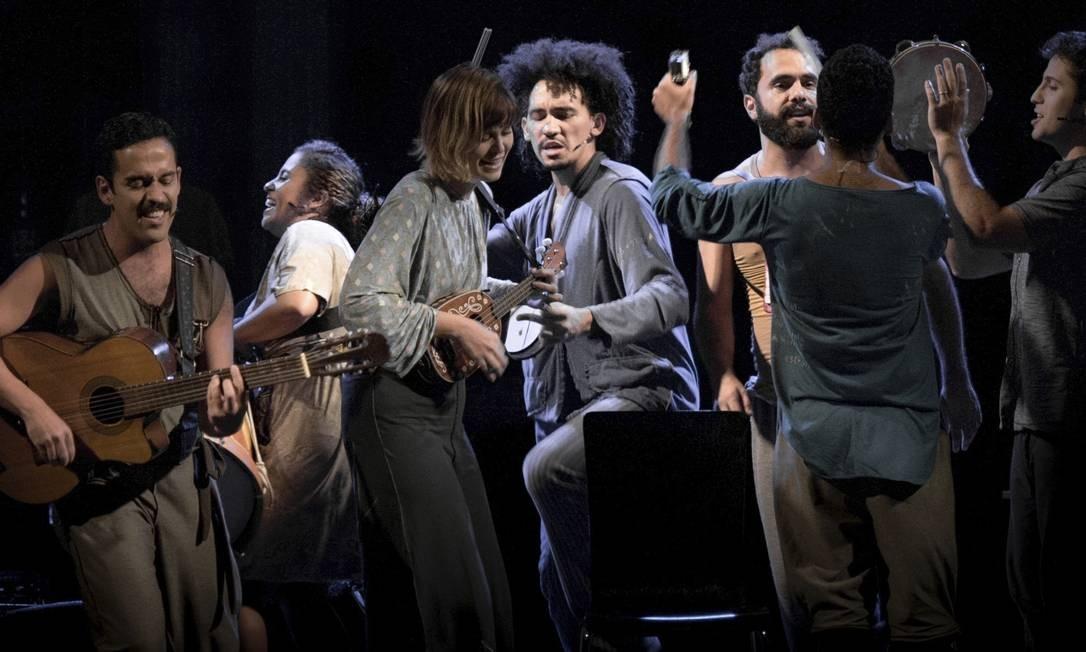"""Peça. """"A hora da estrela"""", adaptação de Jefferson Almeida e Tamires Nascimento, está em cartaz em Copacabana"""