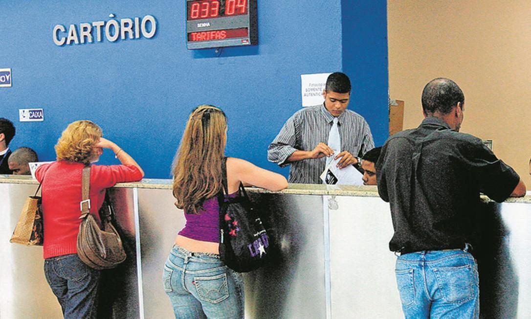 Com o avanço da certificação digital, governo deve enviar novo projeto ao Congresso incentivando a modernização de cartórios Foto: Marco Antonio Teixeira / Agência O Globo