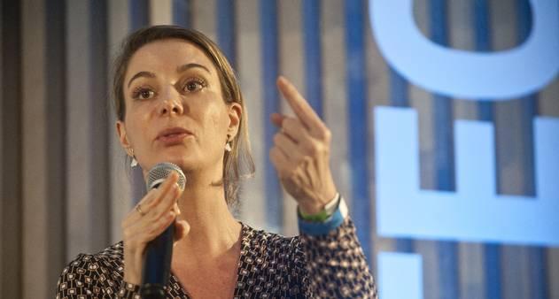 MEC está 'escondido atrás da cortina da ideologia', diz especialista