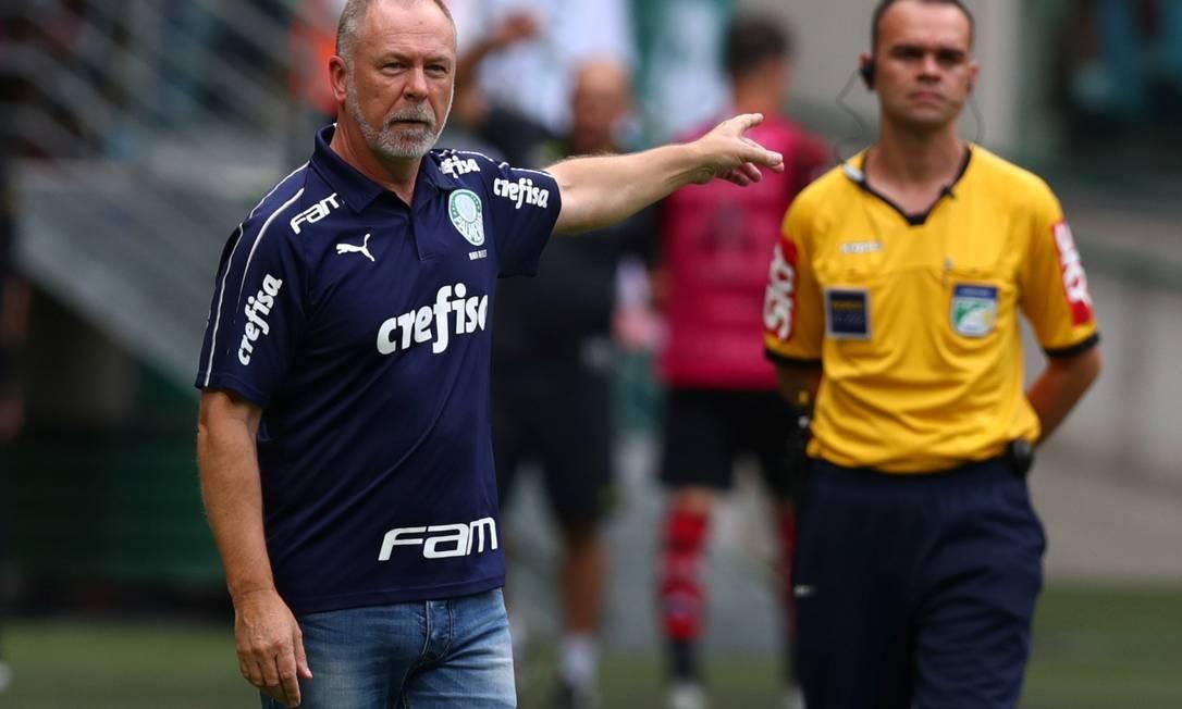 Técnico Mano Menezes, do Palmeiras Foto: Amanda Perobelli / Reuters