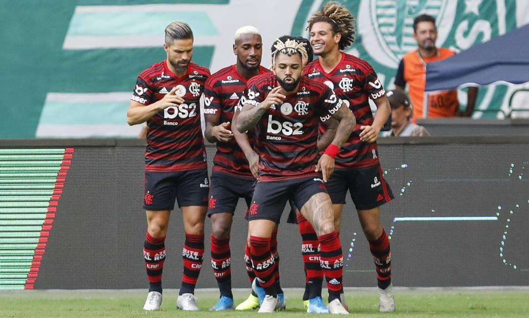 Gabigol comandou a festa rubro-negra na casa do Palmeiras Foto: Ricardo Moreira/Fotoarena / Agência O Globo
