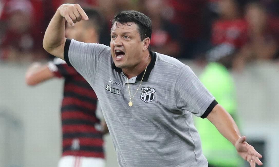 Adilson Batista foi demitido depois de partida que celebrou o Fla como campeão antecipado do Brasileirão Foto: Sergio Moraes / Reuters