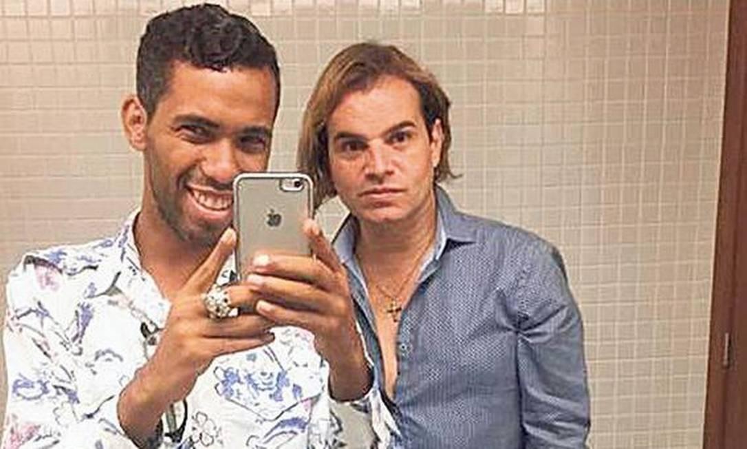 Emissários Thiago e Jones: Jovens citados na delação dizem ser 'melhores amigos' e aparecem em fotos com acusado Foto: Reprodução