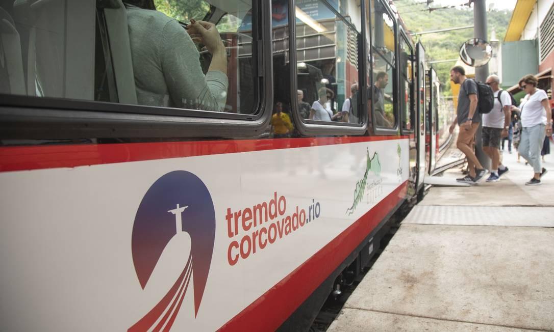 Trem do Corcovado: serviço ganhou novas composições no último mês de outubro Foto: Ana Branco / Agência O Globo