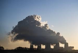 Usina de carvão em Peits, no leste da Alemanha, a terceira maior planta do gênero no país europeu Foto: JOHN MACDOUGALL / AFP