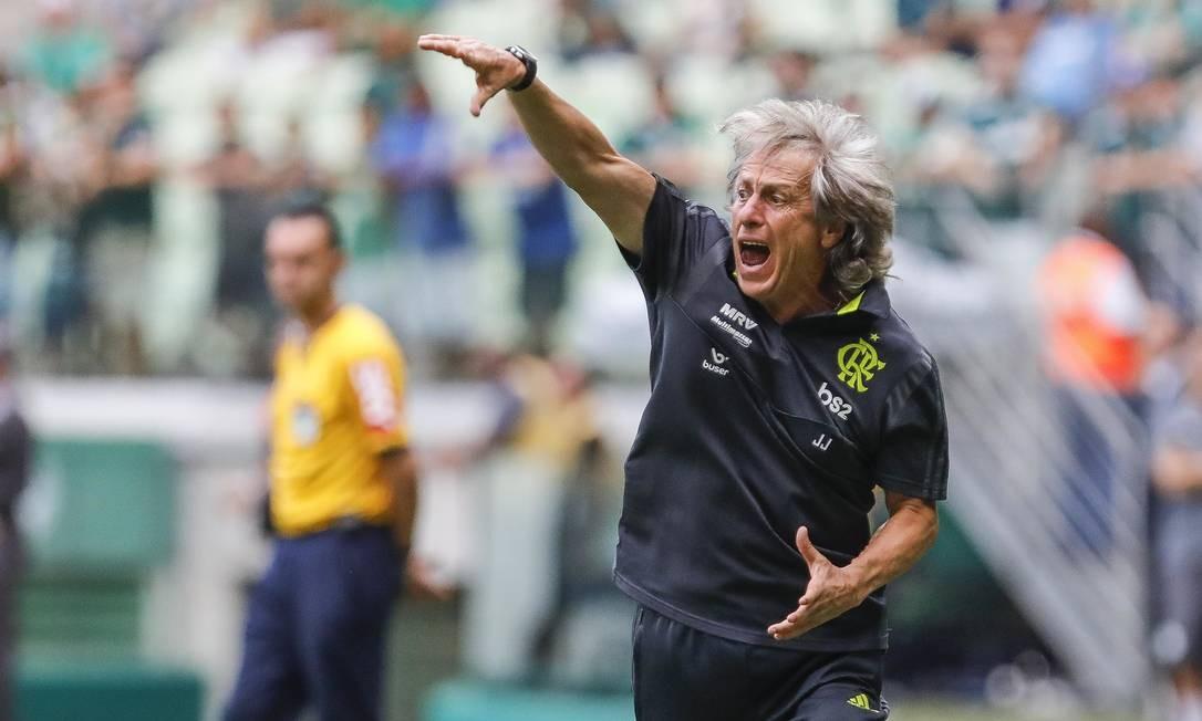 Jorge Jesus durante Palmeiras x Flamengo, em São Paulo Foto: Ricardo Moreira/Fotoarena/Agência O Globo