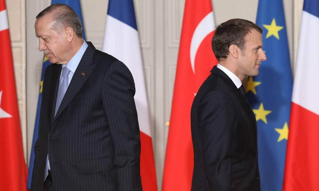 Presidente da Turquia, Recep Tayyip Erdogan, e presidente da França, Emmanuel Macron, após entrevista coletiva em Paris Foto: LUDOVIC MARIN / AFP
