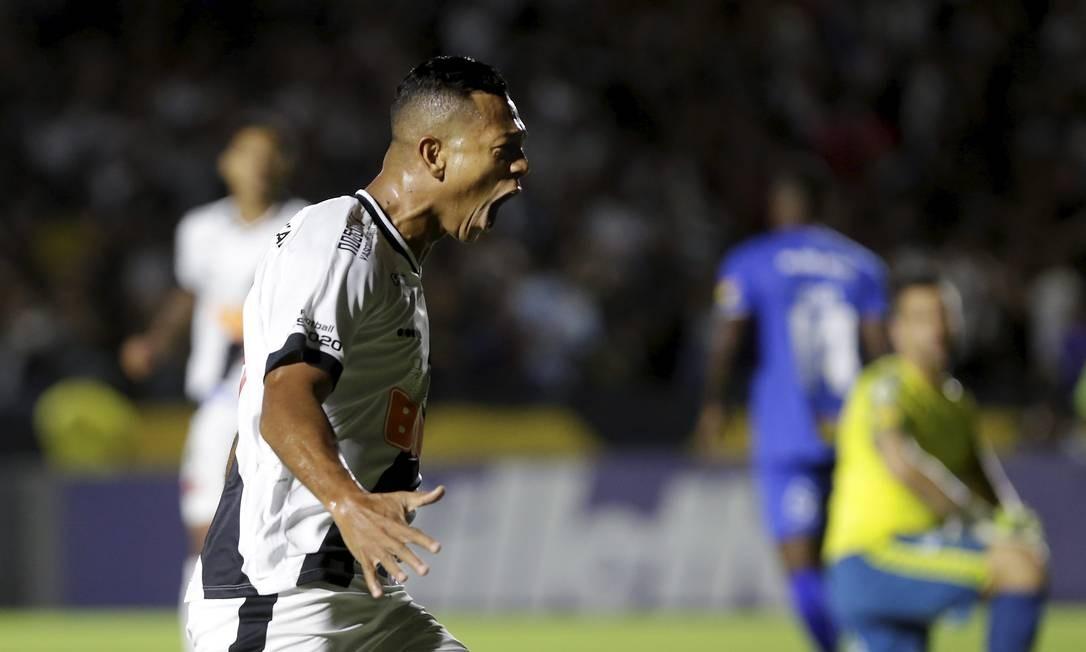 Guarín comemora o gol da vitória do Vasco sobre o Cruzeiro Foto: MARCELO THEOBALD / MARCELO THEOBALD
