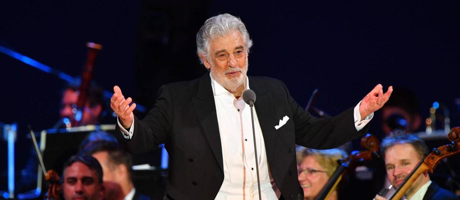 Plácido Domingo se apresenta em Szeged, na Hungria, em agosto de 2019: 'cancelado' nos Estados Unidos, tenor segue com carreira em alta na Europa Foto: ATTILA KISBENEDEK / AFP