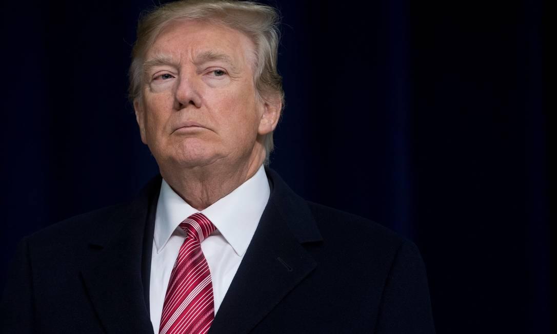 Comissão de Inteligência da Câmara diz que Donald Trump pediu para que um governo estrangeiro interferisse no processo eleitoral americano e tentou impedir que investigações fossem adiante Foto: SAUL LOEB / AFP