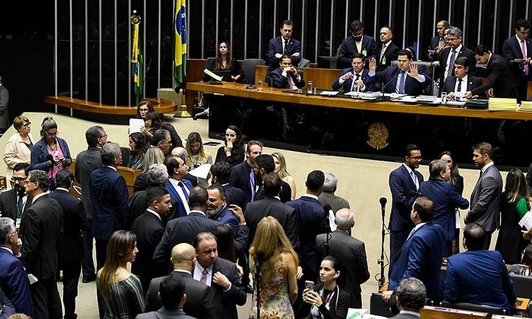 Senado mantém veto de Bolsonaro e barra propaganda partidária na TV fora do período eleitoral Foto: Agência Senado