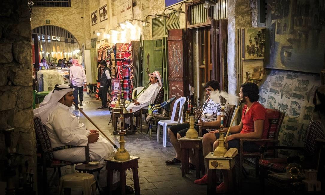 Pessoas no Souq Waqif, o mais tradicional mercado de Doha, no Qatar Foto: Nordcap Studio / Pixarbay / Creative Commons / Reprodução