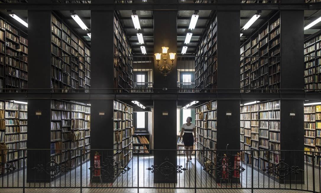 Acervo da Biblioteca Nacional, composto por aproximadamente 9 milhões de itens, entre livros, documentos históricos e fotografias Foto: Ana Branco / Agência O Globo