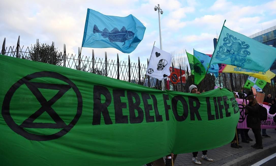 Delegaçoes que participam da Conferência sobre Mudança Climática da ONU COP25 em Madri são recebidos com protestos. Encontro começou na segunda-feira Foto: Gabriel Bouys / AFP
