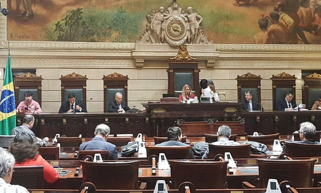 Vereadores na audiência da Comissão de Orçamento da Câmara Foto: Luiz Ernesto Magalhães / Agência O Globo