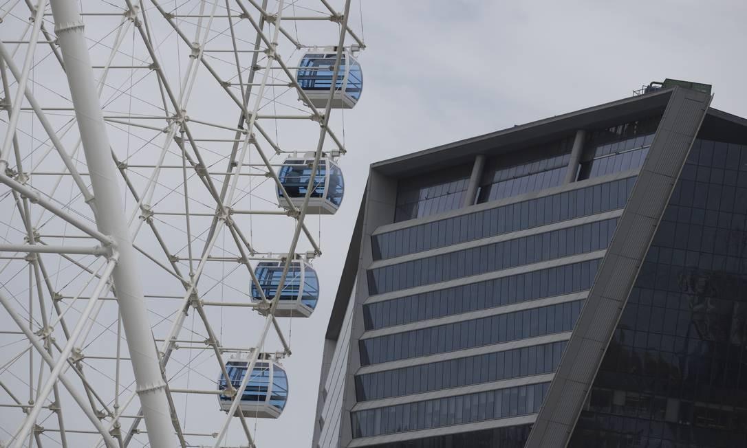 Rio Star tem 54 cabines com capacidade para 8 passageiros cada. Altura (88 metros) equivale a um prédio de 25 andares Foto: Márcia Foletto / Agência O Globo