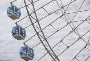 Roda-gigante da Zona Portuária começa a girar nesta sexta-feira Foto: Márcia Foletto / Agência O Globo