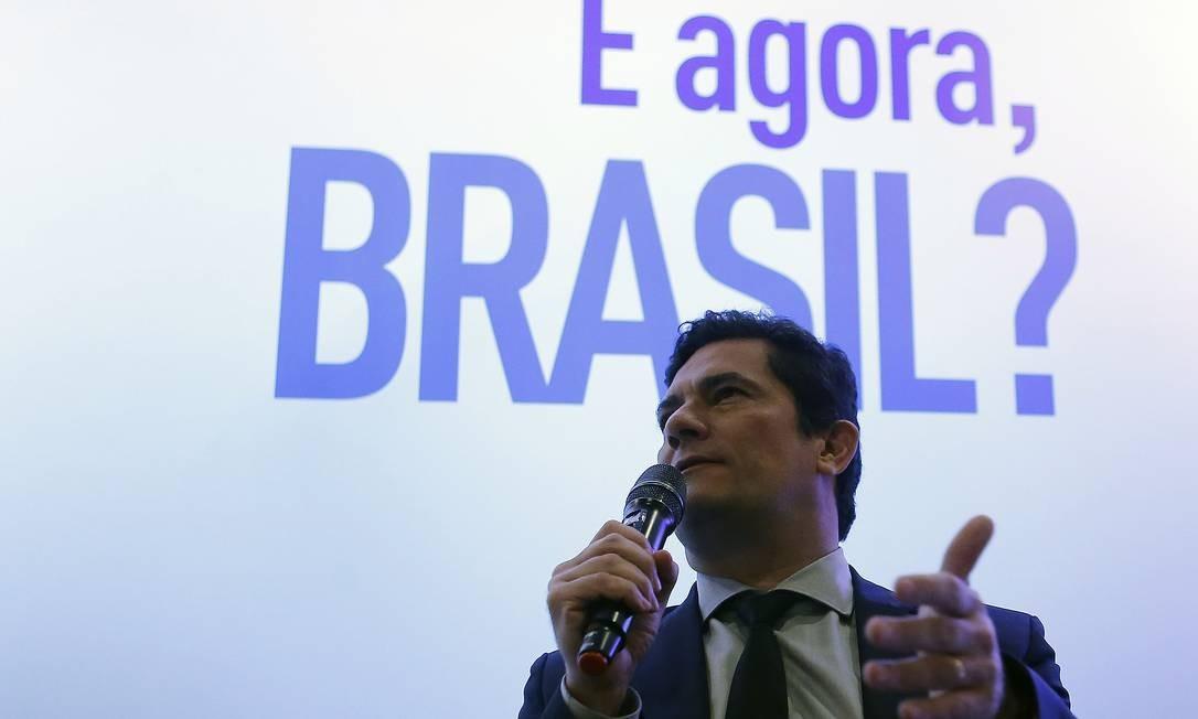 """O ministro da Justiça, Sergio Moro, no seminário """"E agora, Brasil?"""" Foto: Jorge William / Agência O Globo"""