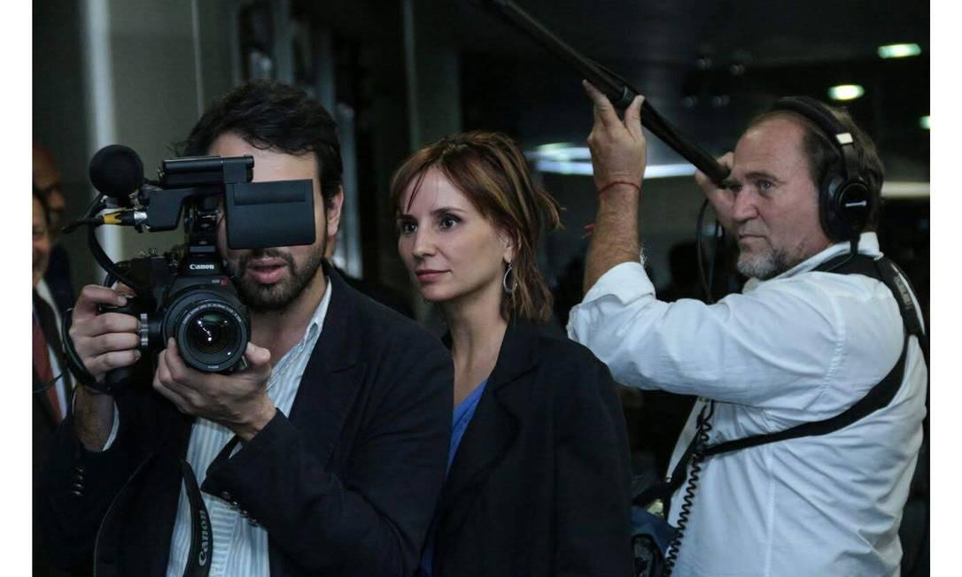 """A cineasta Petra Costa durante as gravações de """"Democracia em vertigem"""" Foto: Divulgação"""