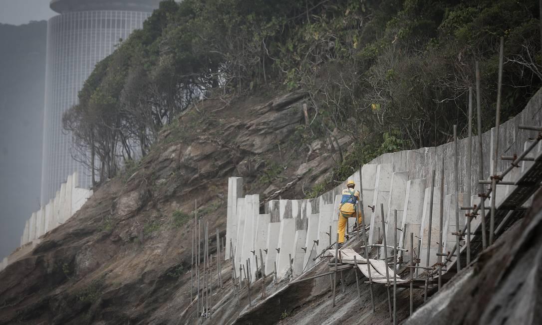 De acordo com presidente da Associação dos Empreteiros, empresas receberam apenas 15% dos R$ 40 milhões contratados para as obras da Niemeyer Foto: Pablo Jacob / Agência O Globo