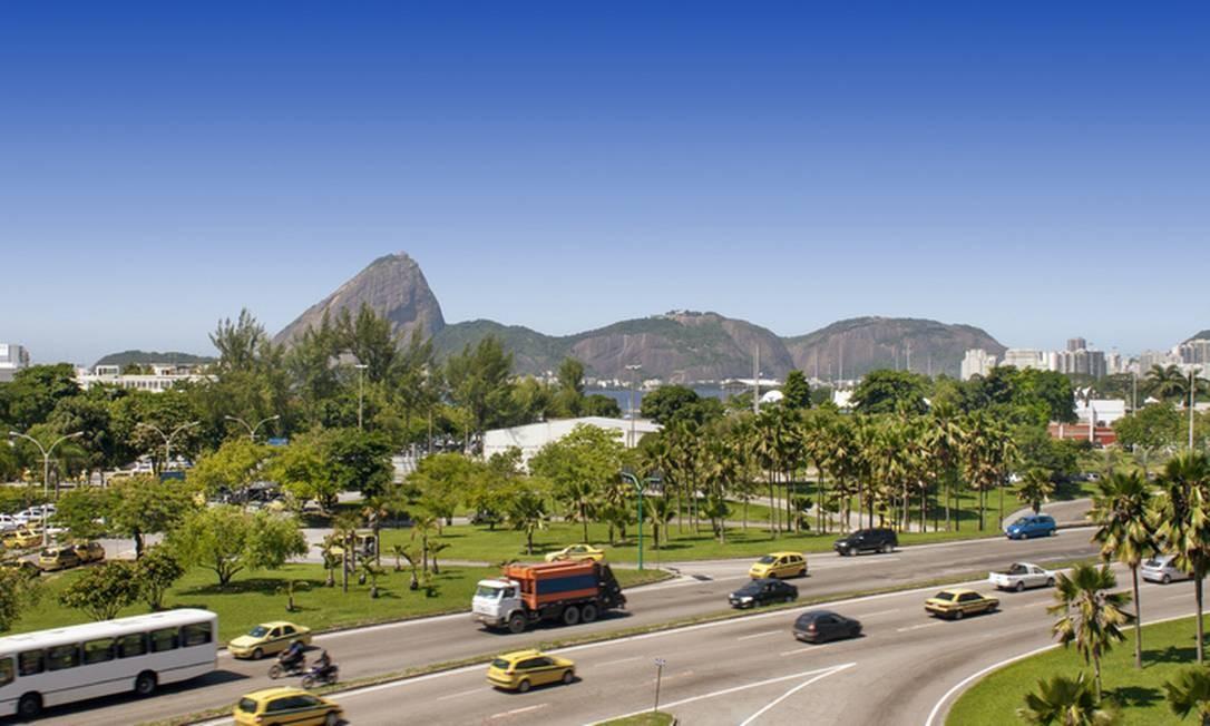 Entre as vantagens de viver no centro do Rio, está a proximidade com o Aterro do Flamengo e múltiplas opções de transporte para o restante da cidade. Foto: luoman / Getty Images/iStockphoto