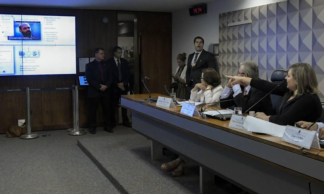 A deputada foi convidada a depor na comissão de inquérito após ser vítima de ataques virtuais Foto: Geraldo Magela / Agência Senado