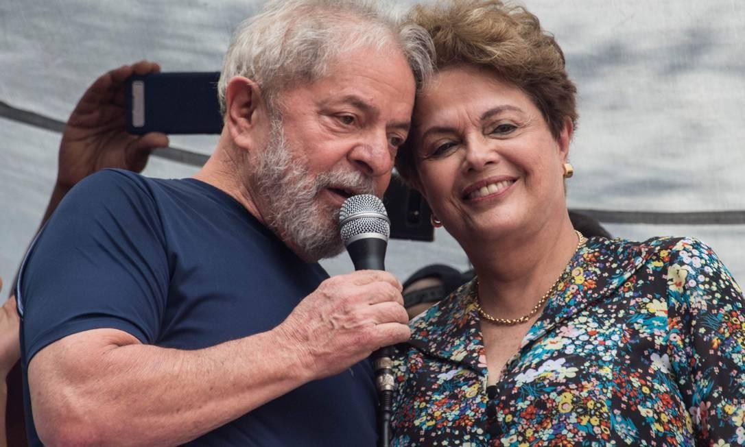Ex-presidentes Luiz Inacio Lula da Silva e Dilma Rousseff Foto: NELSON ALMEIDA / AFP