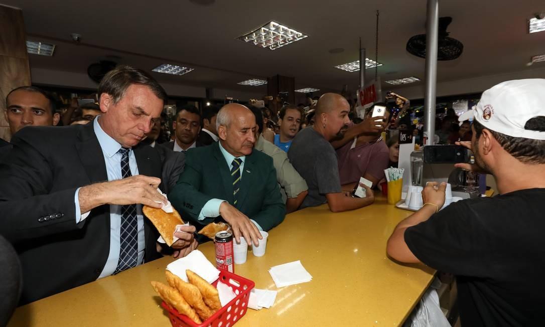 Presidente da República, Jair Bolsonaro, durante visita à Feira dos Importados de Brasília Foto: Marcos Corrêa / PR/Divulgação
