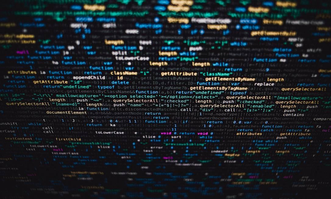 É cada vez mais comum que softwares tomem decisões que impactam na vida das pessoas Foto: Pixabay