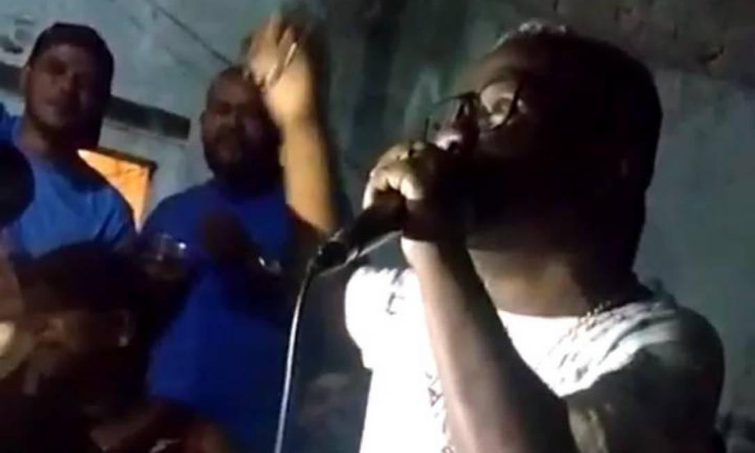 Diego Bunitinho cantou em festa de traficante do Dendê antes de operação policial Foto: Reprodução
